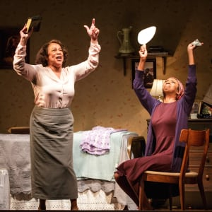 "S. Epatha Merkerson & Sharon Washington in ""While I Yet Live"" at Primary Stages (photo: James Leynse)"
