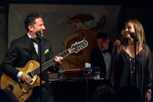 John Pizzarelli & Jessica Molaskey in 'Grown Up Songs' (photo: Michael Wilhoite for The Cafe Carlyle)